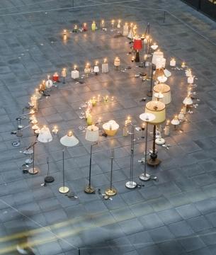 Het  Bijlmer Licht 2002. Burning lamps where arranged to represent the  flightpath of El Al Flight 1862